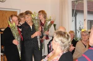 blommor till Erna Larsson hemsida o skutogram Märta Jonasson Publika evenemang o Solhem Lisbeth Lundin studier o cirklar145526864708274400 resized